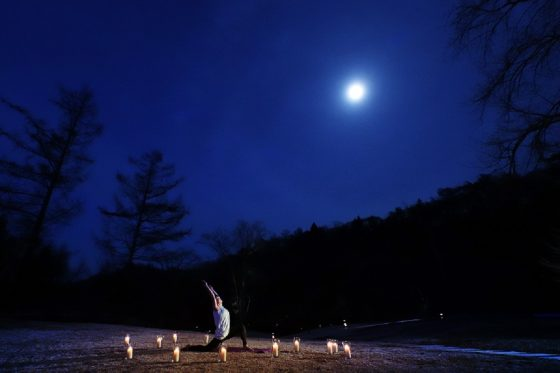 【星野エリア】星野温泉 トンボの湯「月暦ヨガ」メインカット (2)